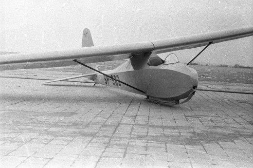 IS-B Komar 49 SP-982 o numerze seryjnym 141P z roku 1950